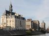 Blick von der Seine auf das Rathaus von Corbeil-Essonnes