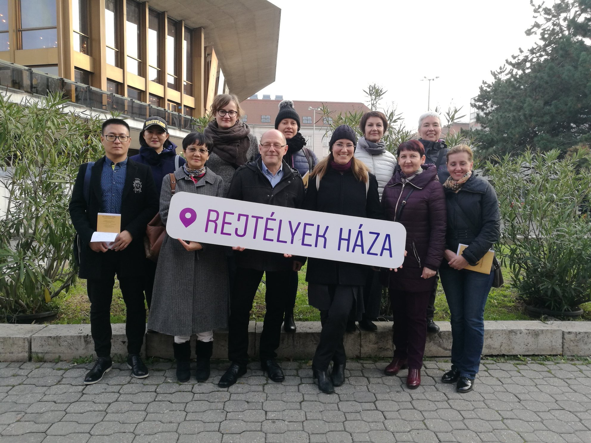 House of Mysteries / Stadtentdeckungsspiel